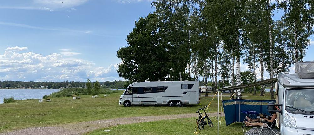 Campingunterkunft am Wasser